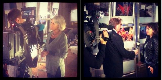 Et par bakombilder fra pressevisningene for fredsprisvinnerutstillingen 2012. Her er det NRK Lørdagsrevyen og TV2 nyhetskanalen som lager reportasjer.